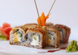 Роллы с угрем | Кулинарные рецепты. Домашняя кухня. Еда в картинках. Кулинария для начинающих. Выпечка, салаты, соусы, десерты.