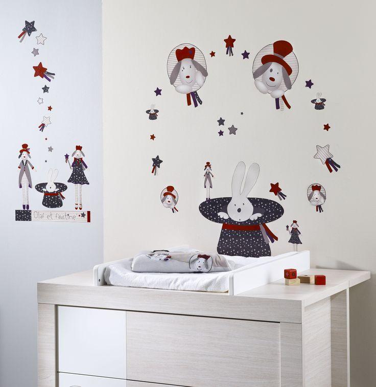 Des stickers muraux pour une ambiance féérique dans la chambre de bébé