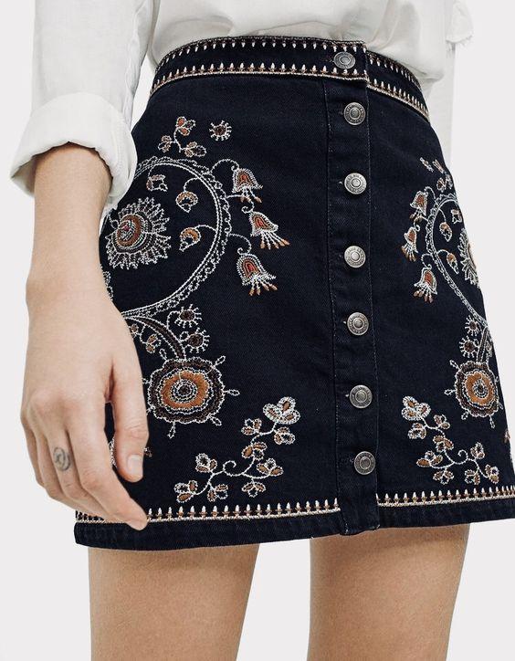 d40398d8a3a Джинсовые короткие юбки с вышивкой.