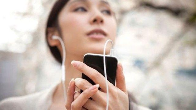 """Spotify, giyilebilir cihaz mı geliştiriyor?  """"Spotify, giyilebilir cihaz mı geliştiriyor?"""" http://fmedya.com/spotify-giyilebilir-cihaz-mi-gelistiriyor-h19784.html"""