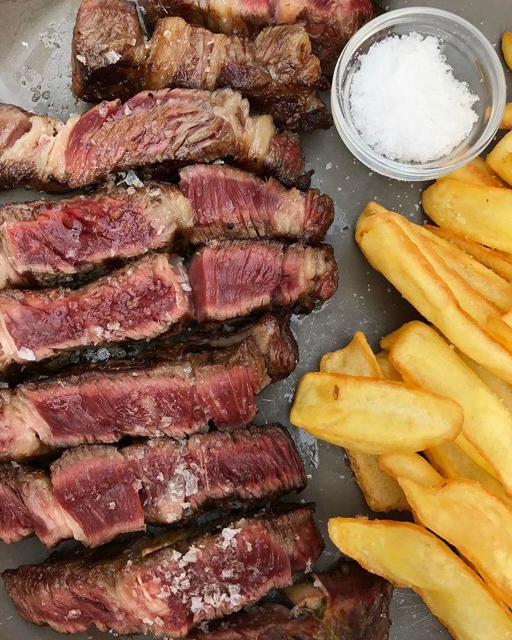 Carne troceada de vaca nacional madurada durante 50 días en cámara. #gastronomia #foodie