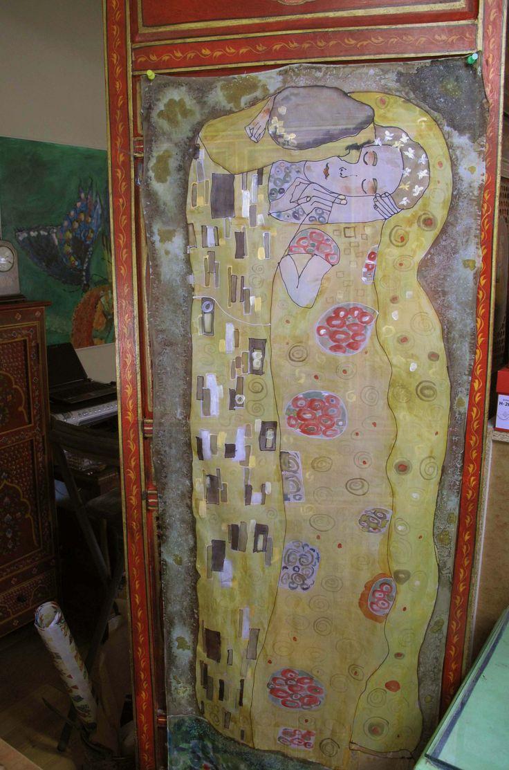 El beso #Armonia.| charo santa ursula. #Pintura #seda. #decoración #Arte #Ilustración #regalo #handmade #exclusivo #creatividad #azul #rosa #rojo #Coaching #mentoring #klimt