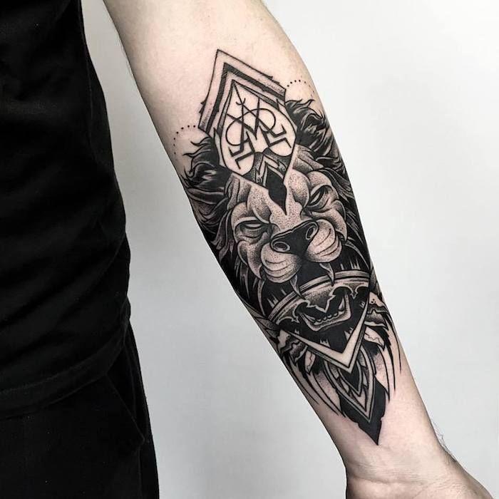 die besten 25 l wenkopf tattoos ideen auf pinterest l wenzeichnung l we gesicht zeichnung. Black Bedroom Furniture Sets. Home Design Ideas