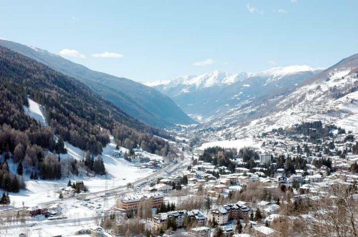 Ponte di Legno dall'alto. La vista della valle
