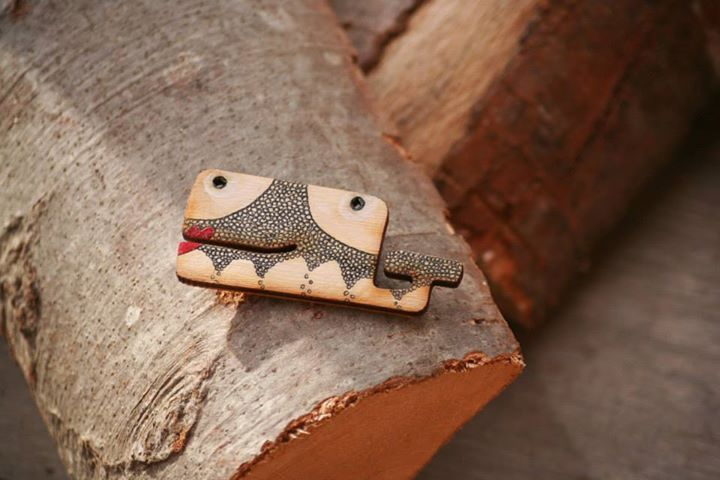 Hand-painted wooden brooch/pin with funny whale pattern: painted with acrylic paint, varnished.