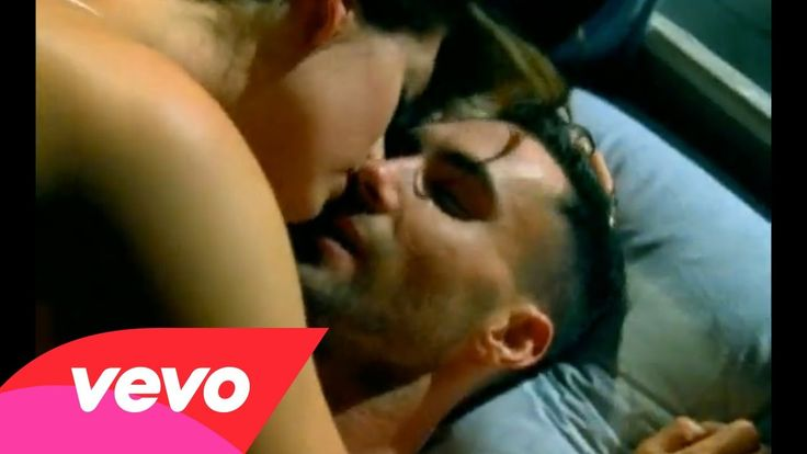 Maroon 5 - Wake Up Call reminds me of derek and addison from grey's anatomy when she cheated on him