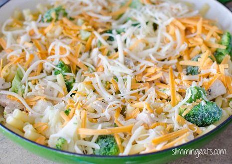 Slimming Eats Chicken, Broccoli and Cauliflower Pasta Bake - Slimming World and…