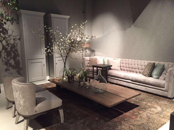 ... Fortuna - salontafel Square Leg - fauteuil Grace - wandmeubel Toogkast