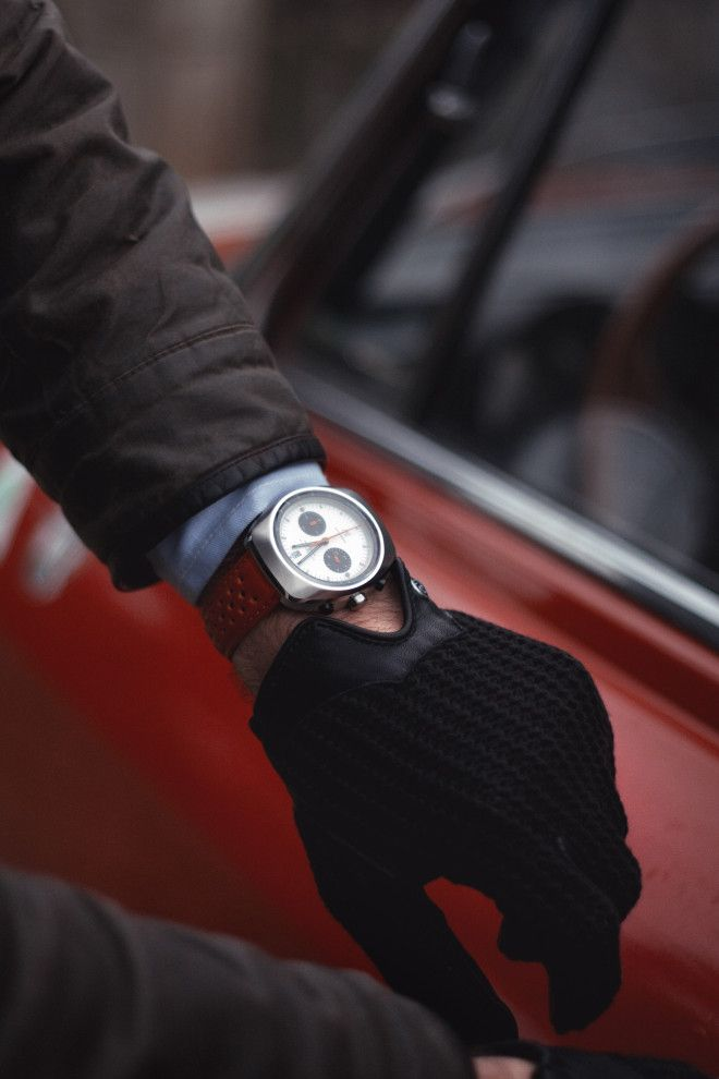 watches and drivinggloves | ... Motorcycle & Some Of The Coolest Watches And Sunglasses In The World