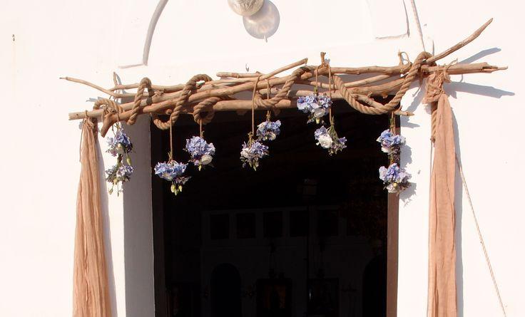 τηλ 6976773699....σύμπλεγμα από θαλασσοξυλα και σχοινί για εξώπορτα εκκλησίας...................εξωτερικός στολισμός εκκλησίας με βάσεις από θαλασσόξυλα..Δεξίωση | Στολισμός Γάμου | Στολισμός Εκκλησίας | Διακόσμηση Βάπτισης | Στολισμός Βάπτισης | Γάμος σε Νησί & Παραλία.