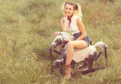"Miley Cyrus divulga prévia de novo single, ""Malibu"" #Billboard, #BrunoMars, #Cantora, #CelineDion, #Cyrus, #EdSheeran, #M, #Miley, #MileyCyrus, #Minaj, #NickiMinaj, #Noticias, #Novo, #NovoSingle, #Prévia, #Single, #Status, #Tv, #Twitter, #Vídeo http://popzone.tv/2017/05/miley-cyrus-divulga-previa-de-novo-single-malibu.html"