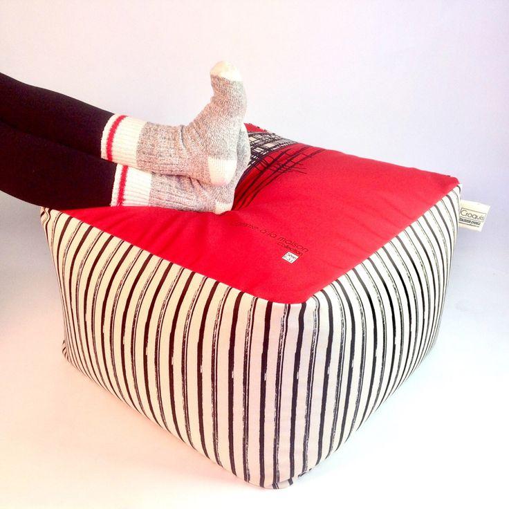 Le chouchou de ma boutique https://www.etsy.com/ca-fr/listing/472699968/pouf-unique-tissu-lavable-et-dehoussable