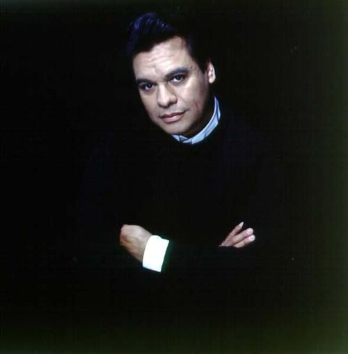 Juan Gabriel, he has the most amazing voice, I loved his concert in Pasadena California.