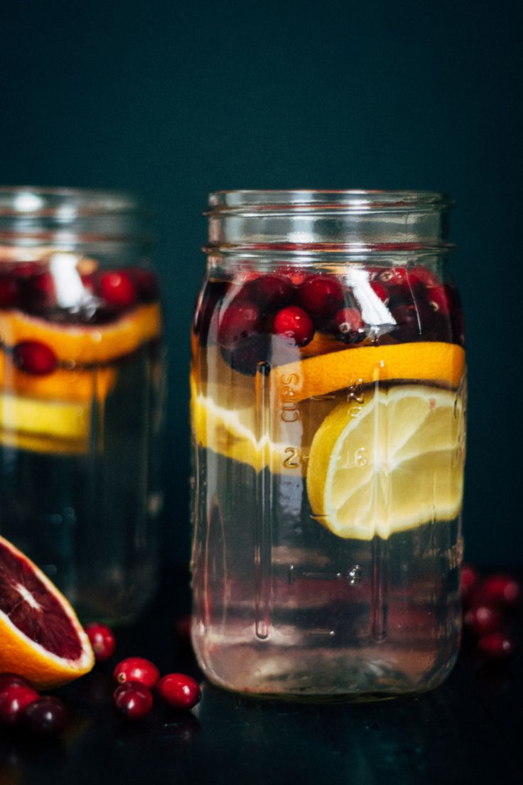 2. Cranberry Orange Water  #flavored #water #recipes http://greatist.com/eat/fruit-infused-water-recipe-ideas-for-spring-and-summer