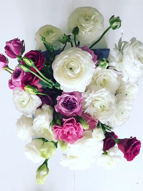 Sally Bay -floral -home -pink -white -lisianthus -ranunculas -decor -styling   Instagram: @sally_bay   Website: www.sallybay.com.au