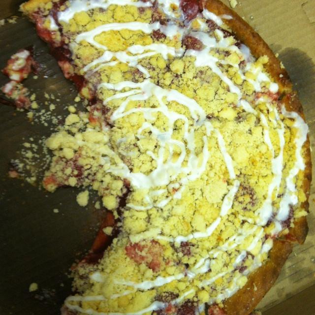 ❤ Knolla's dessert pizza!