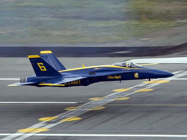 USN Blue Angels - F-18 Hornet just above the deck