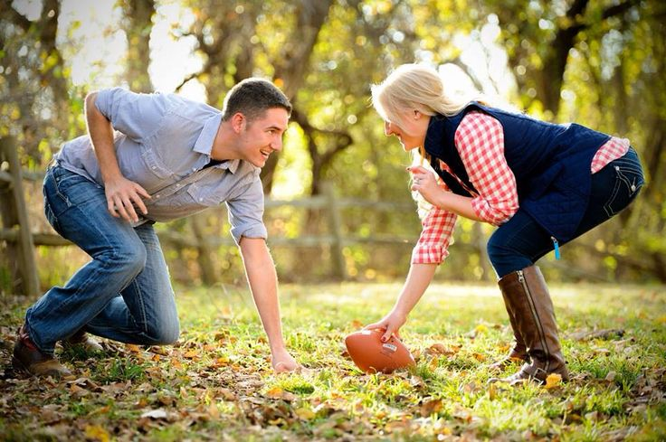 Fall engagement pictures haha Joel-Michael would love this!