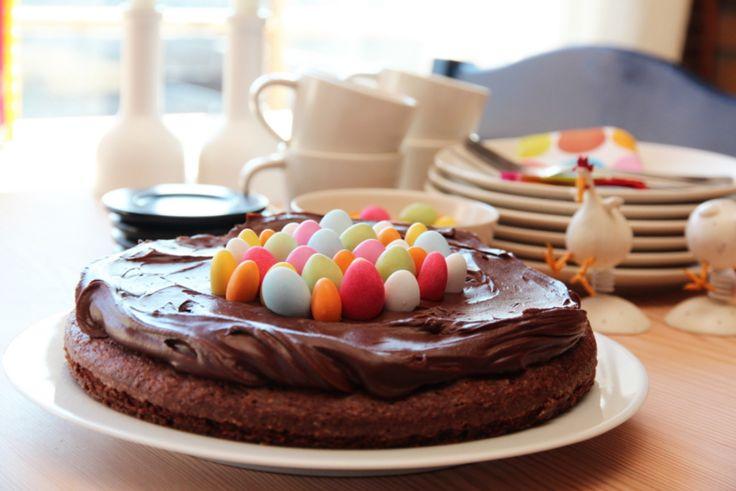 Sjokoladekake med påskeegg