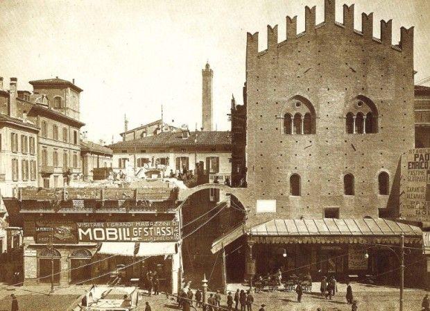 Via Rizzoli (1910)  Archivio Fondazione Cassa di Risparmio in Bologna
