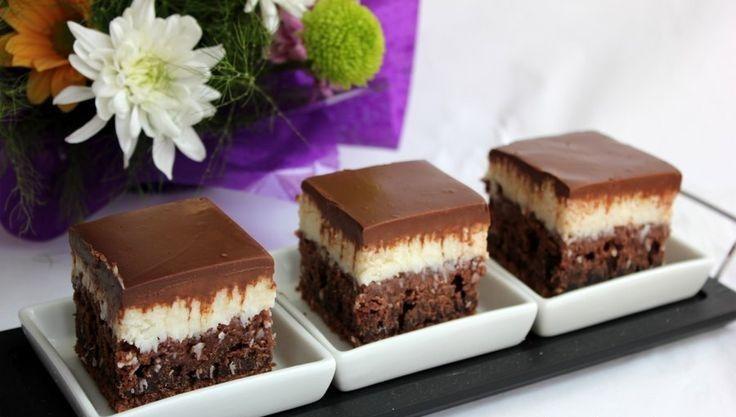 Kókuszkrémes kekszkocka – ellenállhatatlan finomság, sütés nélkül!