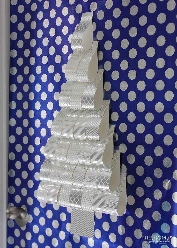 3 Fun Ways To Decorate Your Apartment Door For The