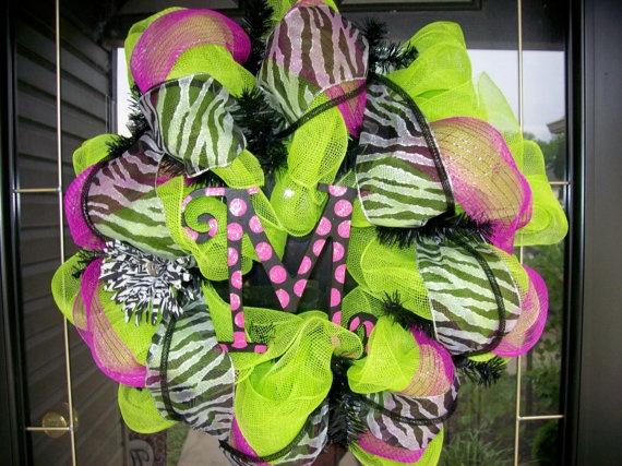green deco mesh, black & white zebra ribbon & sheer pink ribbon = Love this one....