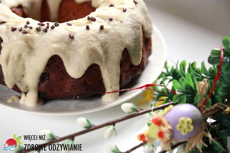 Babka miodowa na Wielkanoc. Prosty przepis na zdrowe ciasto na Wielkanoc. Świąteczne łakocie. Zdrowe przepisy. Zdrowe odżywianie.
