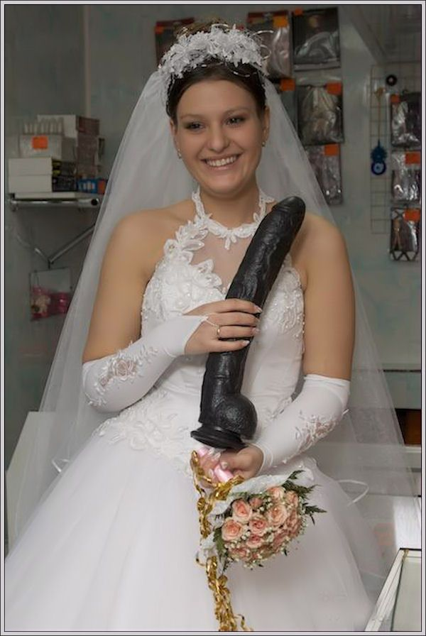 Google Image Result for http://www.teamjimmyjoe.com/wp-content/uploads/2012/07/Bad-Wedding-Photos-Dildo.jpg