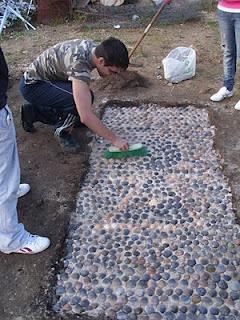 ERA Laboratorio de Arqueología Experimental: REPRODUCCIÓN EXPERIMENTAL DE PAVIMENTOS DE CONCHAS  Pavimenti di Glycimeris. Niente frammentazione?