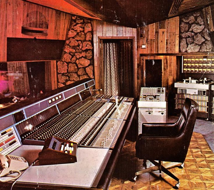 Modern Music Studio: 52 Best Vintage Or Retro Recording Studios Images On
