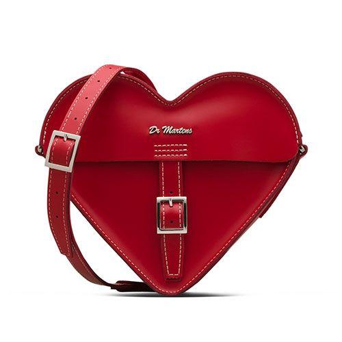 ドクターマーチンよりバレンタイン限定シューズ&バッグ - レッド×ホワイトのハートモチーフの写真4
