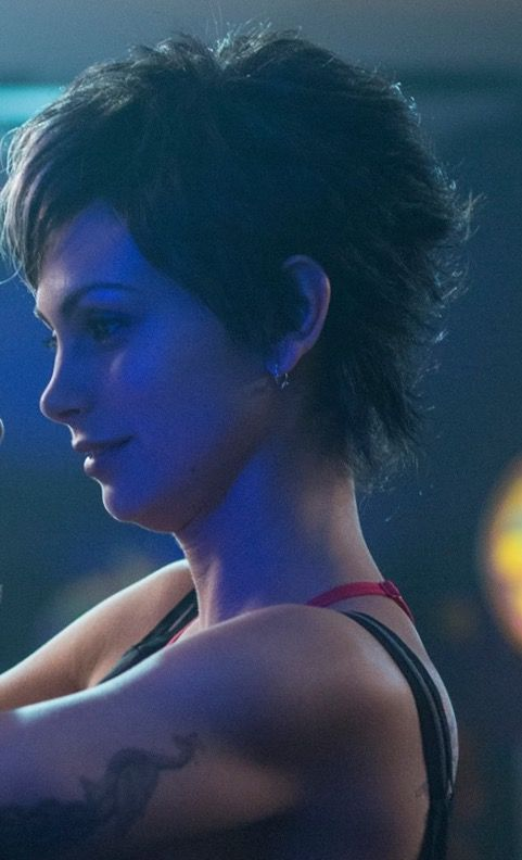 Love this hairstyle on morena baccarin as copycat in deadpool