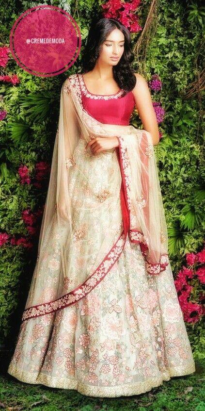 Such an Elegant Blouse in this Lehenga By Shyamal And Bhumika #IndianCouture #IndianFashion #DesiFashion #ShyamalAndBhumika @CremeDeModa