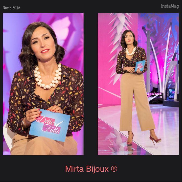 Mirta Bijoux ® Look della settimana Caterina Balivo indossa collana della collezione Balls