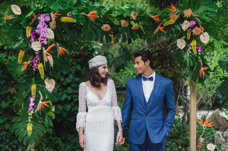 Tropical Spanish Wedding Inspiration with Philodendrons | Ruffled https://link.crwd.fr/g5d