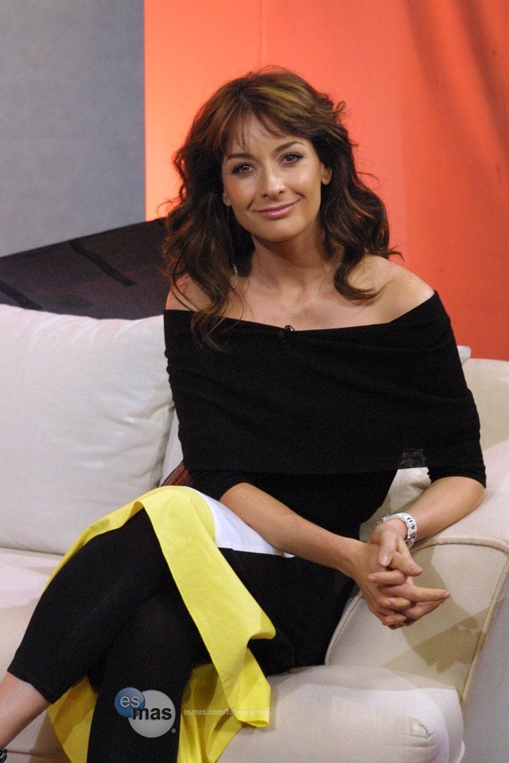 Gorgeous Mexican actress Susana Gonzalez.
