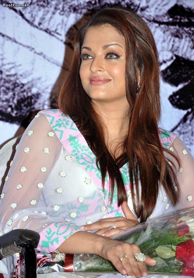 Aswarya Rai In White Blue Saree  Aishwarya Rai Cannes