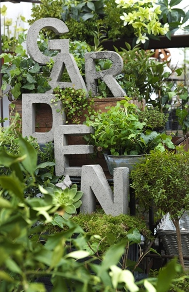 Gardens garden signs and lettering on pinterest for Small concrete projects