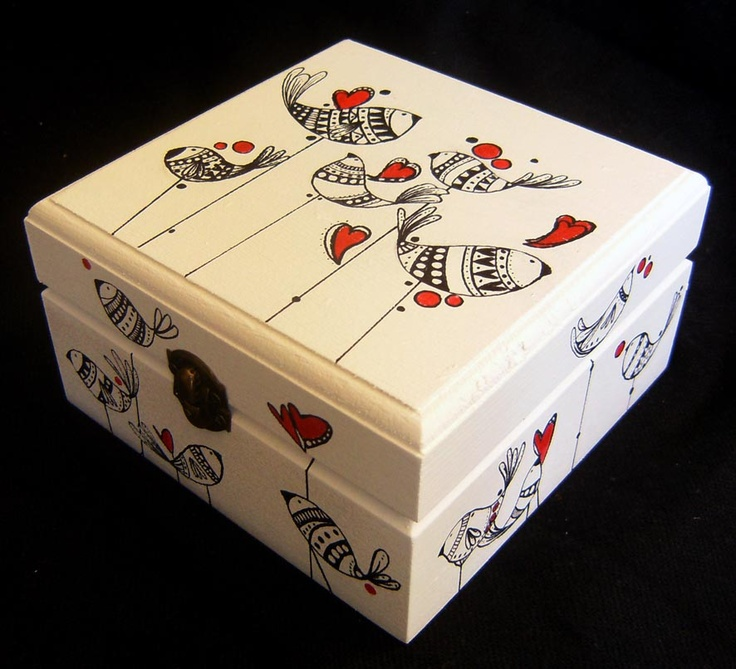 www.caperucitazul.com Cajas pintadas a mano una a una....  Acrílico sobre madera