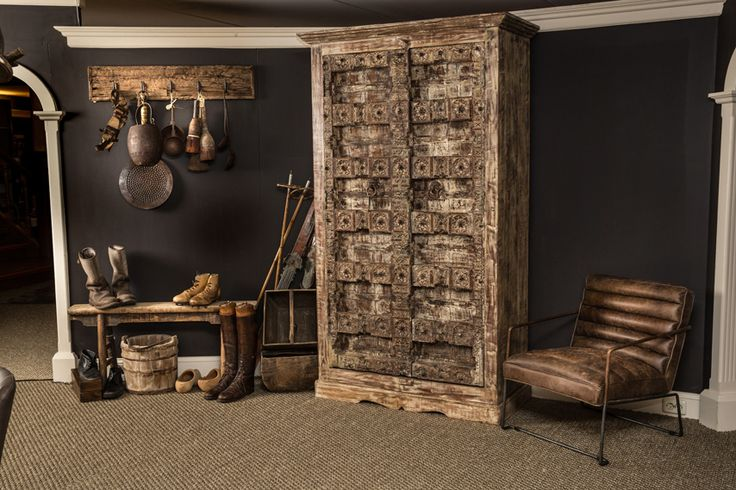 Unieke kast uit onze serie landelijk & robuust! De geleefde uitstraling zorgt ervoor dat deze kast perfect past in uw landelijke en robuuste woonkamer.
