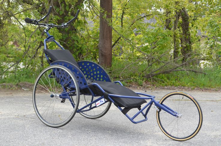 Team Hoyt Running Chair, (Marathon duwrolstoel, Marathon Push Wheelchair) duwrolstoel voor mensen met ernstige vaak meervoudige handicaps die niet zelfstandig een wheeler (race rolstoel) voort kunnen bewegen en toch graag met hun vrienden of familie mee willen doen aan hardloop evenementen