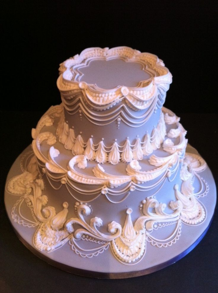 Absolutely breathtaking piping on this tiered lavender cake