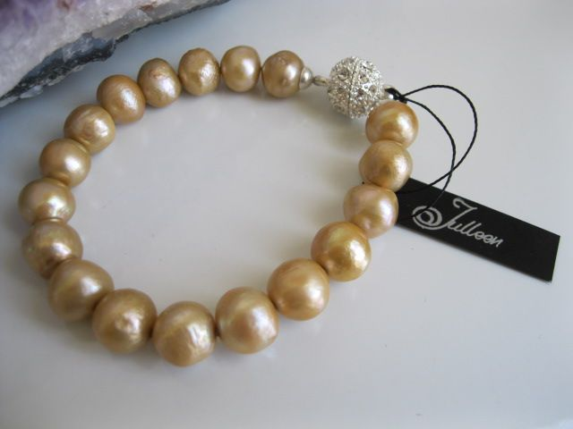 Classical Gold Pearl Bracelet   Pearl Jewellery