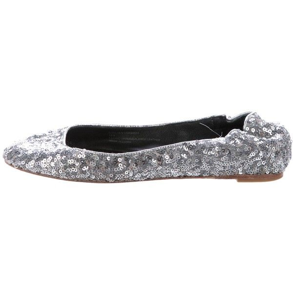 Pre-owned Alice + Olivia Sequin Ballet Flats (210 BRL) ❤ liked on Polyvore featuring shoes, flats, silver, ballet flat shoes, silver ballet shoes, elastic ballet flats, ballet pumps and silver ballet flats