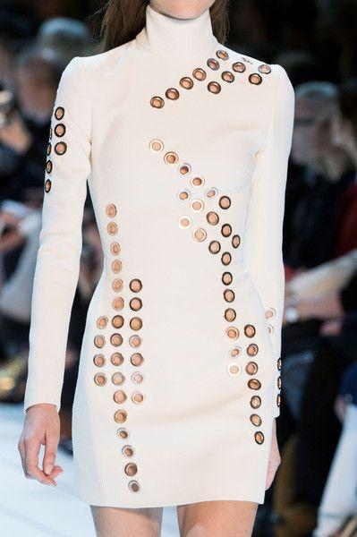 Thierry Mugler at Paris Fashion Week Fall 2015 - Details Runway Photos