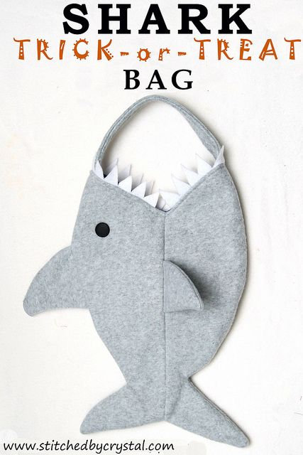 Great idea for a DIY Trick-or-Treat bag! Definitely an easy to make sewing project you'll want to try if you're out of ideas!