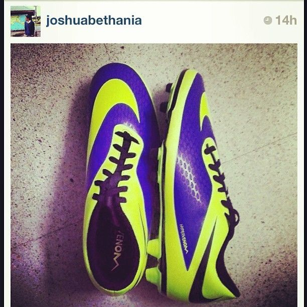 """@myntradotcom's photo: """"#ShowOff your #Myntra purchases and tag us in your #Instagram pictures to get featured on our page! Here's a happy customer's #nike #football #shoes! #regram @joshuabethania"""""""