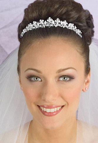 Modernos peinados para novia con velo peinados de novia - Peinados de novia modernos ...