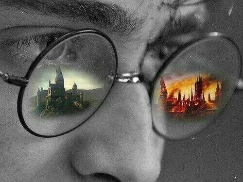 Hogwarts reflected in Harry's glasses before and after the battle of Hogwarts!